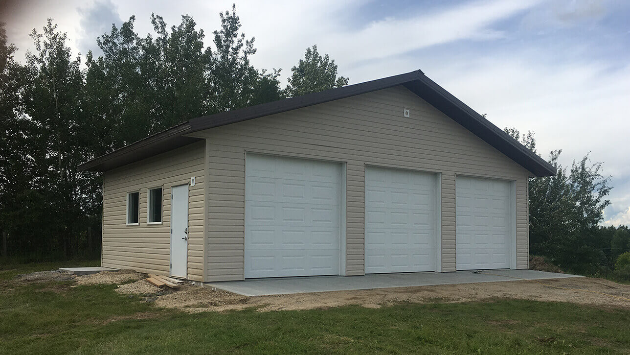 custom-building-garage-stony-plain-tan