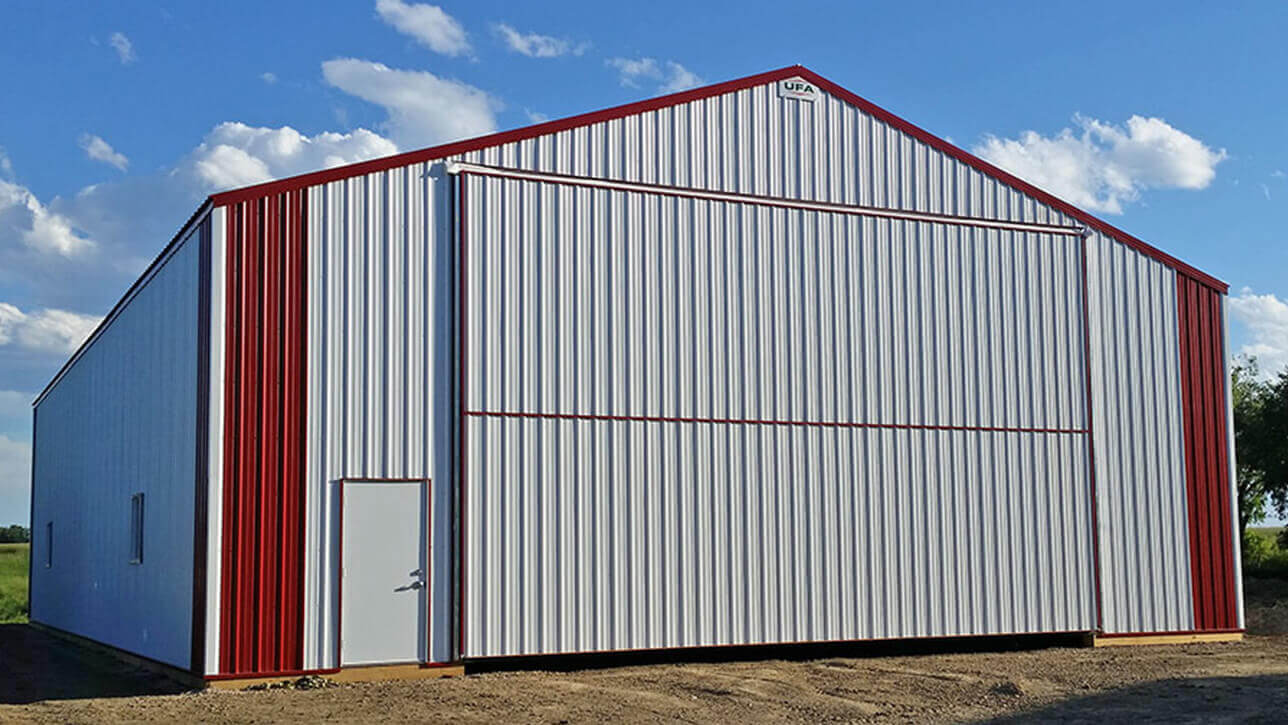 custom-building-machinery-storage-front-eckville