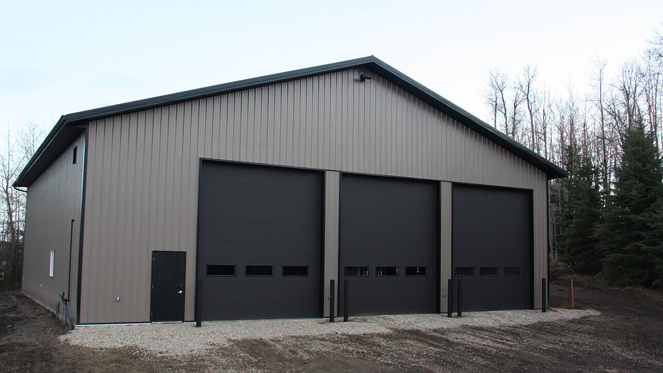 custom-building-shop-whitecourt-black-brown-overhead-doors