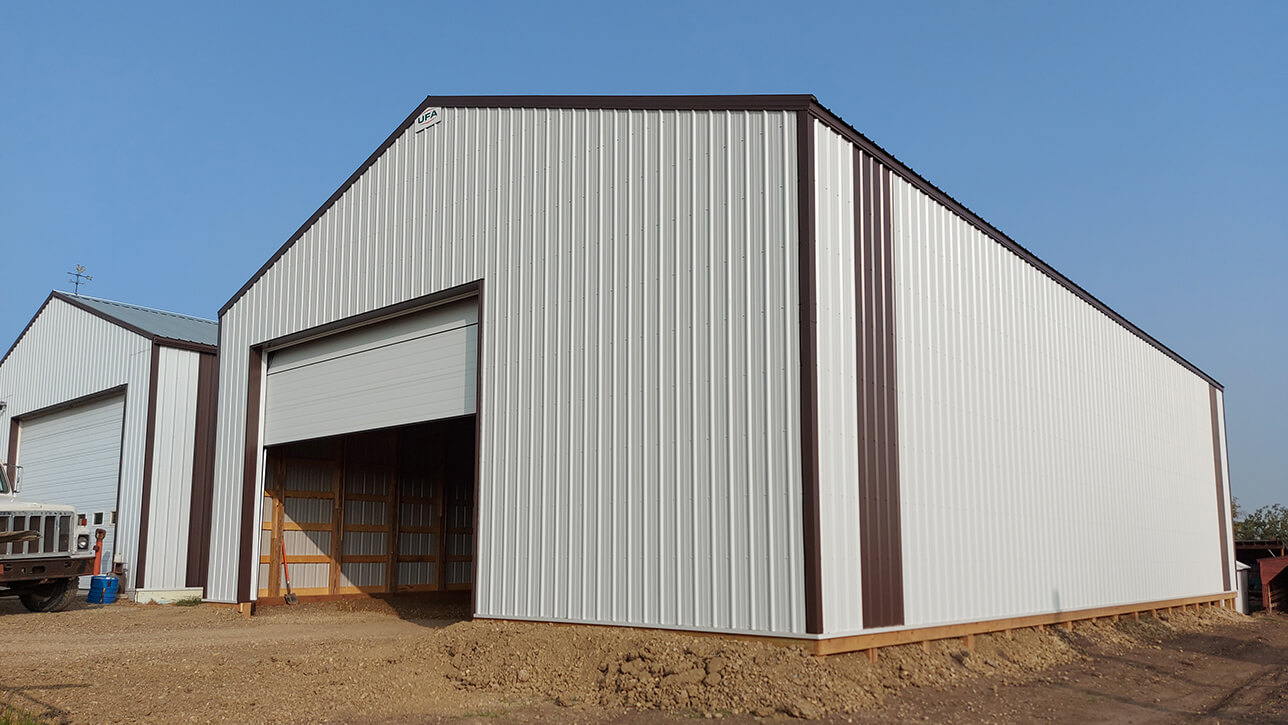 custom-building-shop-laminated-post-lacombe-grey